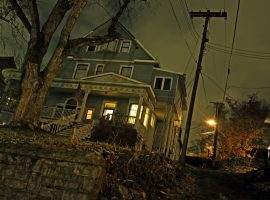 Haunted house - The Other Side TV
